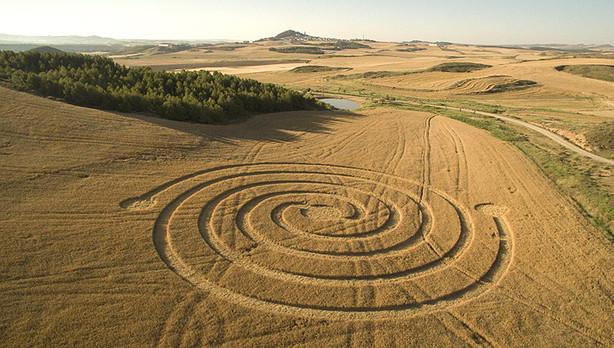 http://cropcircleconnector.com/2015/Tierra/dronestella_31621_1.jpg